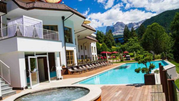 Hotel Engel Welschnofen: Aussenpool