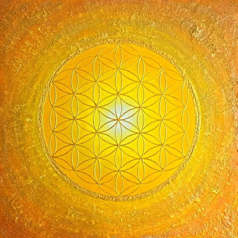 handgemaltes Energiebild in Gelb und Orange mit der goldenen Blume des Lebens
